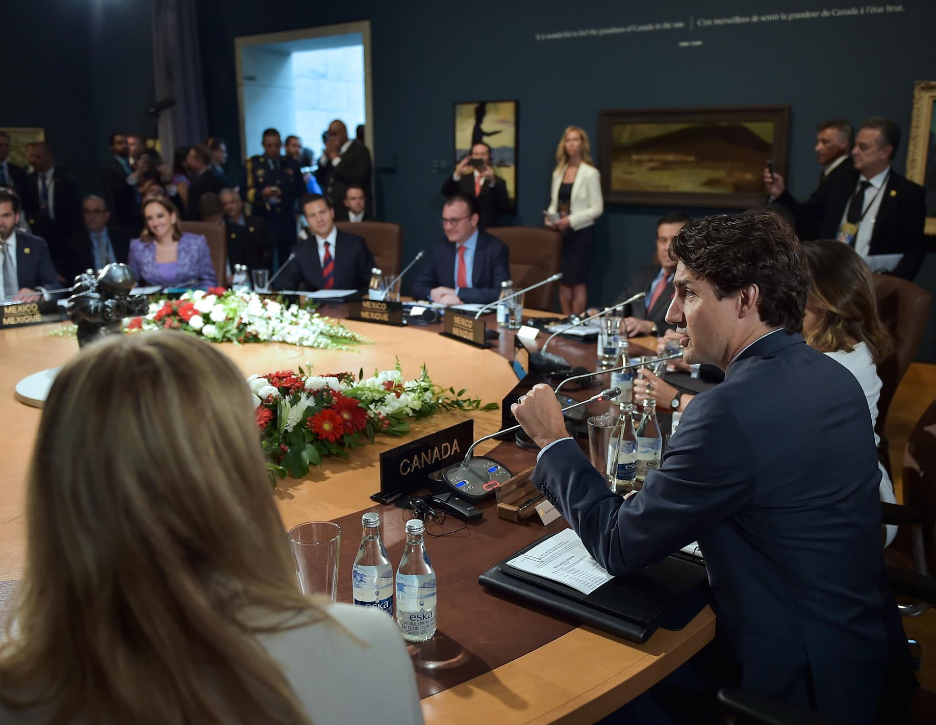 Afirmaron su compromiso de adoptar una enmienda ambiciosa y completa del Protocolo de Montreal sobre la disminución gradual de hidrofluorocarbonos (HFC) en 2016.