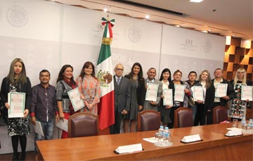 Naturalization ceremony for new Mexican citizens