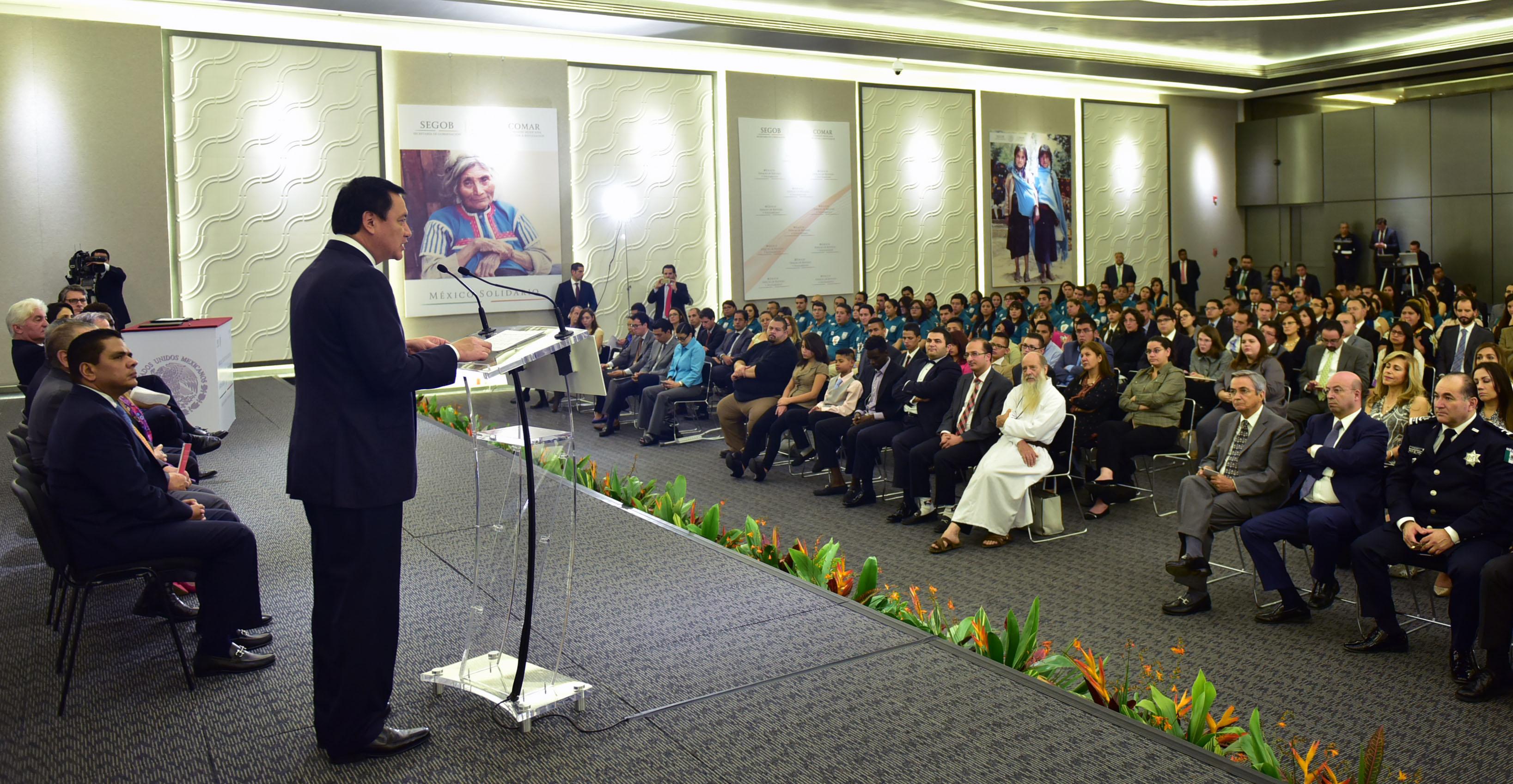 El Secretario de Gobernación Miguel Ángel Osorio Chong interviene en acto donde se suscribe convenio por las personas refugiadas.