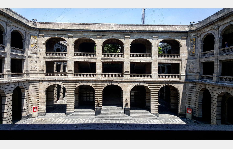 Su construcción comenzó el 15 de junio de 1921, por instrucciones de José Vasconcelos