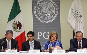 Refrenda PGR a los familiares de los normalistas su compromiso ineludible de esclarecer los hechos ocurridos en Iguala, Guerrero.