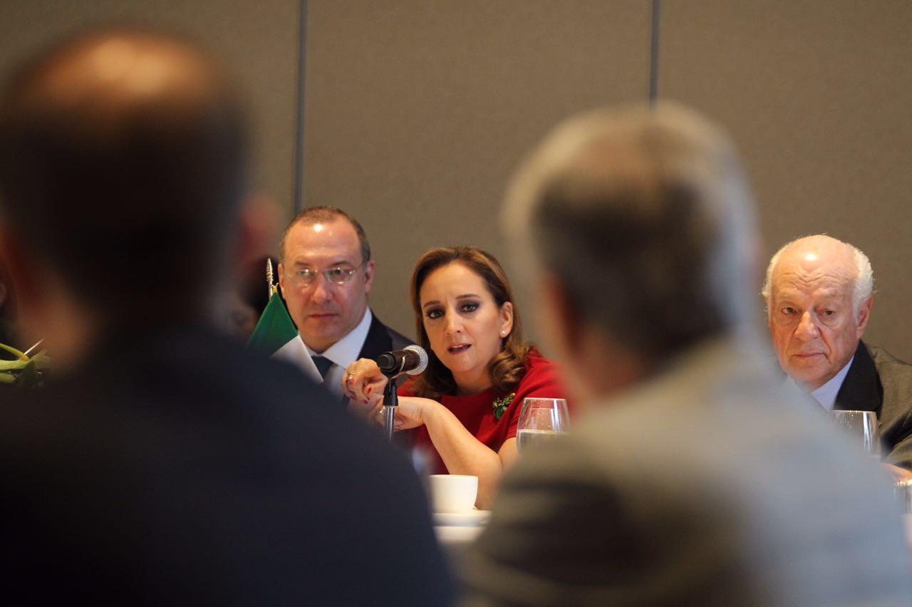 Foreign Secretary Ruiz Massieu meets with the Executive Council of Global Enterprises (CEEG)