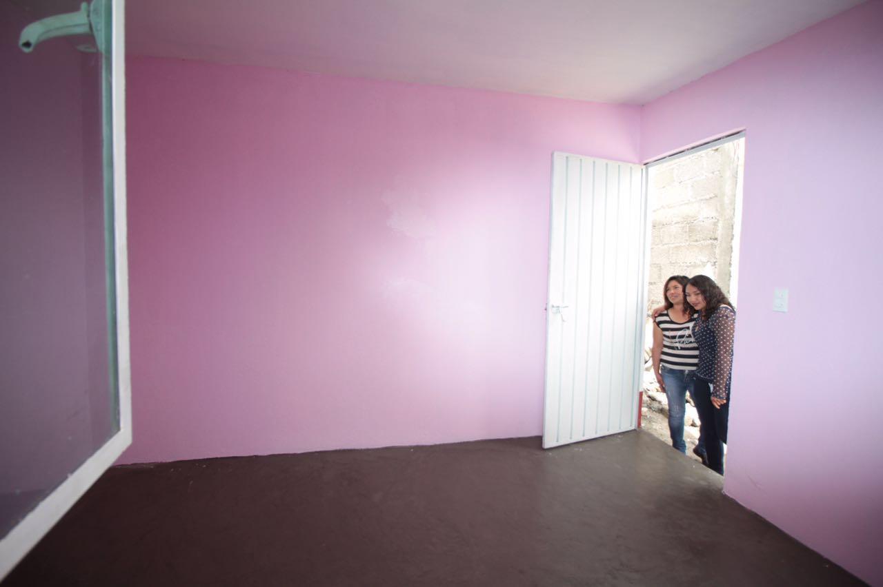 Con la construcci n de cuartos adicionales el gobierno de for Cuarto de nina rosa palido