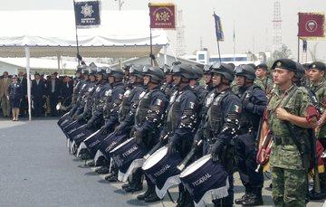 1er. Concurso de Bandas de Guerra. En el certamen participaron instituciones de seguridad pública, la Secretaría de la Defensa Nacional y la Secretaría de Marina.