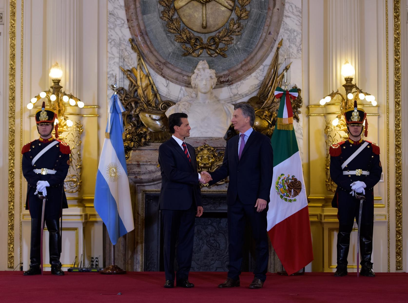 """""""Es mi deseo que continuemos fortaleciendo los lazos de hermandad y colaboración que unen a nuestros países, para promover la unidad y la fortaleza de América latina en todo el mundo""""."""