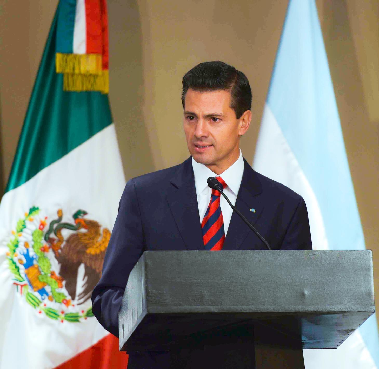 El Primer Mandatario durante su discurso en el Foro de Negocios, en Buenos Aires, Argentina.
