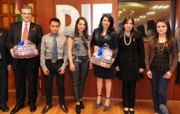 Recibe DIF Nacional donativo de más de 16 mil cobijas, por parte de la Universidad Tecnológica de México
