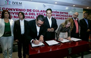 Firma de convenio de colaboración entre el Instituto de Vivienda del Estado de Michoacán y el FONHAPO