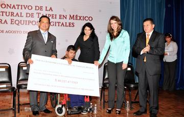 Recibe DIF Nacional donativo para equipo digitales