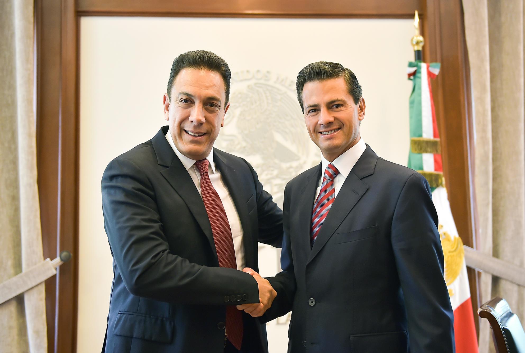 El Presidente de la República, Enrique Peña Nieto, se reunión con el Gobernador Electo de Hidalgo, Omar Fayad Meneses.