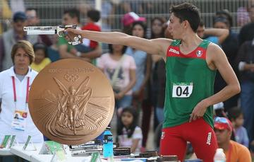 Se convirtió en el primer pentatleta mexicano en subir a un podio olímpico.