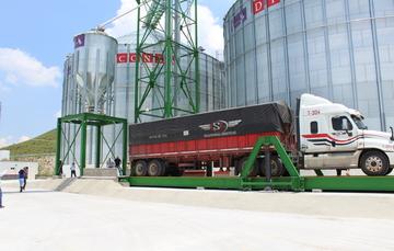 Los almacenes graneleros permiten resguardar grandes cantidades de maíz.