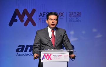Participación del Subsecretario Fernando Aportela en la Primera Convención de Afores