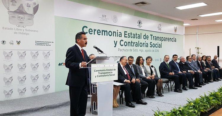 Javier Vargas Zempoaltecatl asistió a Ceremonia de Premiación de Transparencia y Contraloría Social 2015