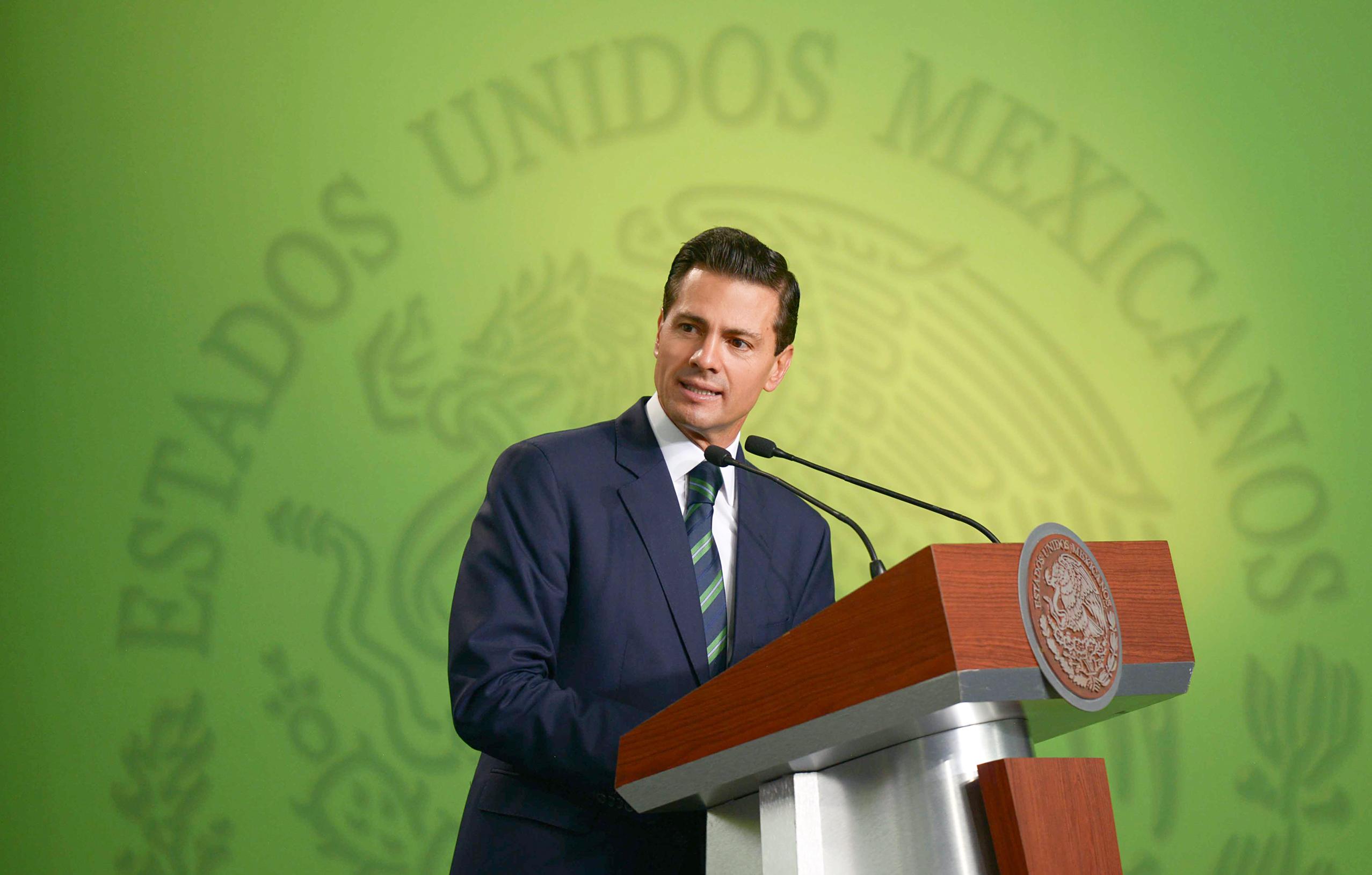 """""""Donde haya un mexicano que necesite apoyo de su gobierno, ahí estaremos"""": EPN"""