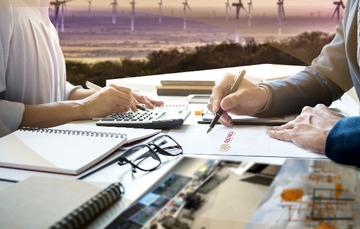 Ilustración con dos personas que atienden documentos sobre una mesa.