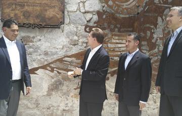 De izq. a der. Jorge Herrera, Gobernador Constitucional de Durango; José Rosas, Gobernador Electo de Durango; Abraham Zamora, Director General de Banobras y Francisco González, Director General Adjunto de Banca de Inversión de Banobras.
