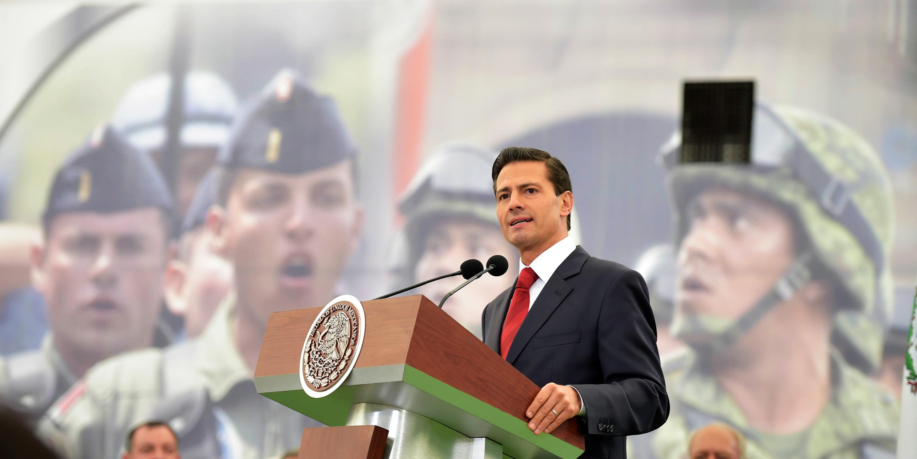 """México se siente orgulloso de sus Fuerzas Armadas, """"les reconoce y agradece su contribución al desarrollo y prosperidad de nuestra nación"""": EPN"""