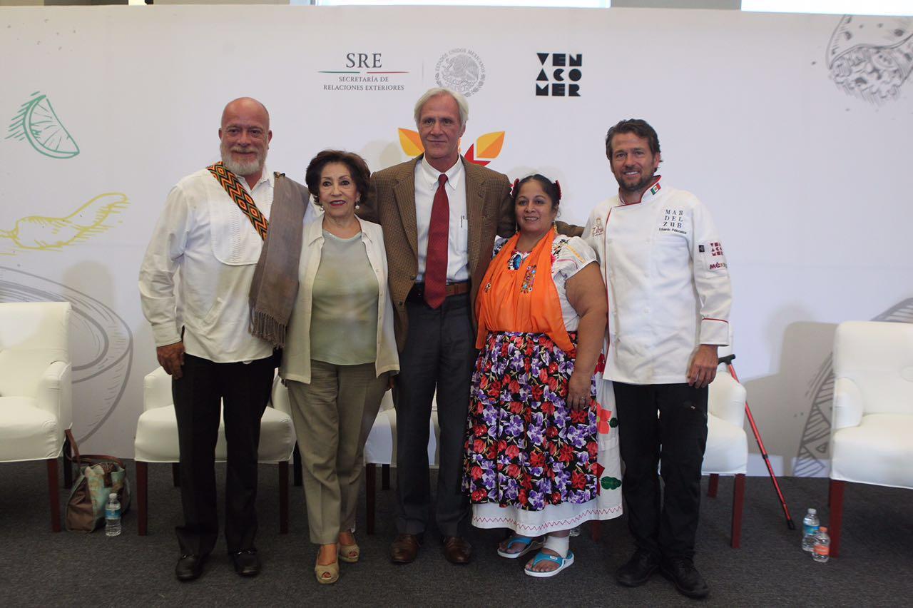 Conferencia de prensa sobre el Primer Encuentro Global de Cocina Tradicional.