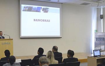 El Director General de Banobras, Abraham Zamora, dio a conocer a los alcaldes electos de Quintana Roo, los diferentes programas de financiamiento y asistencia técnica que ofrece el Banco.