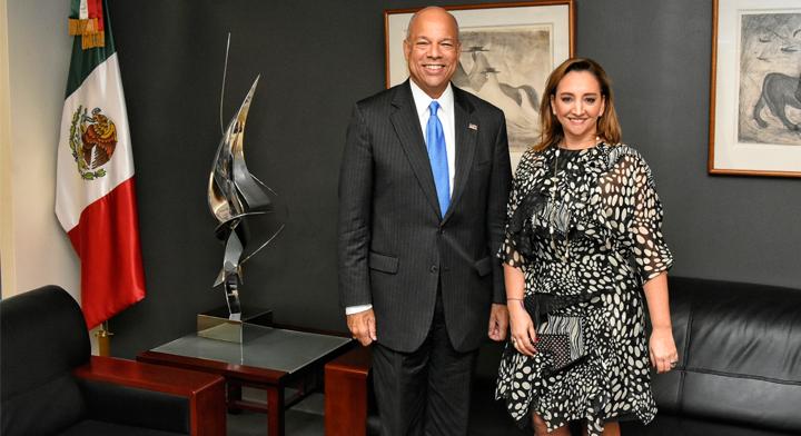 La Secretaria de Relaciones Exteriores, Claudia Ruiz Massieu, y el Secretario de Seguridad Interna de Estados Unidos, Jeh Johnson.