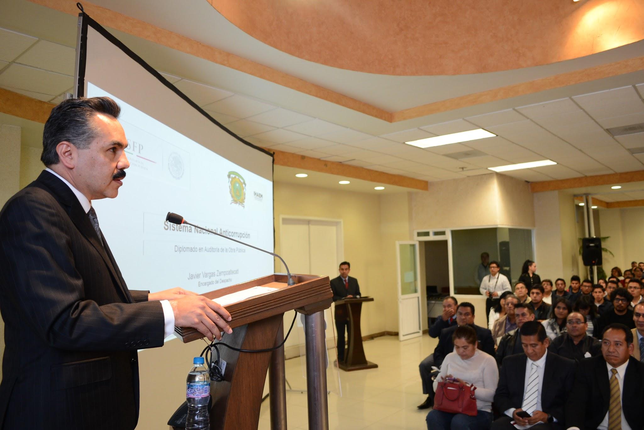 Subsecretario Javier Vargas hablando acerca del SNA