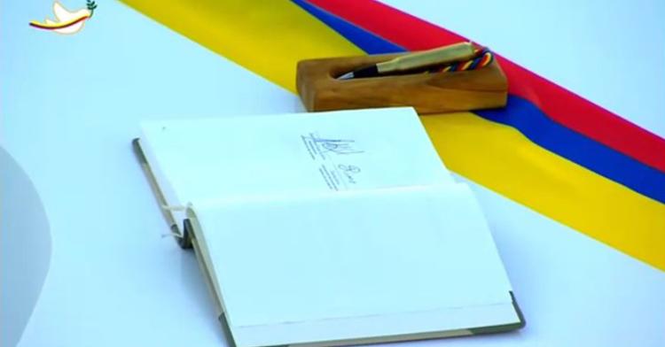Firma del Acuerdo de Paz entre el Gobierno de Colombia y las FARC