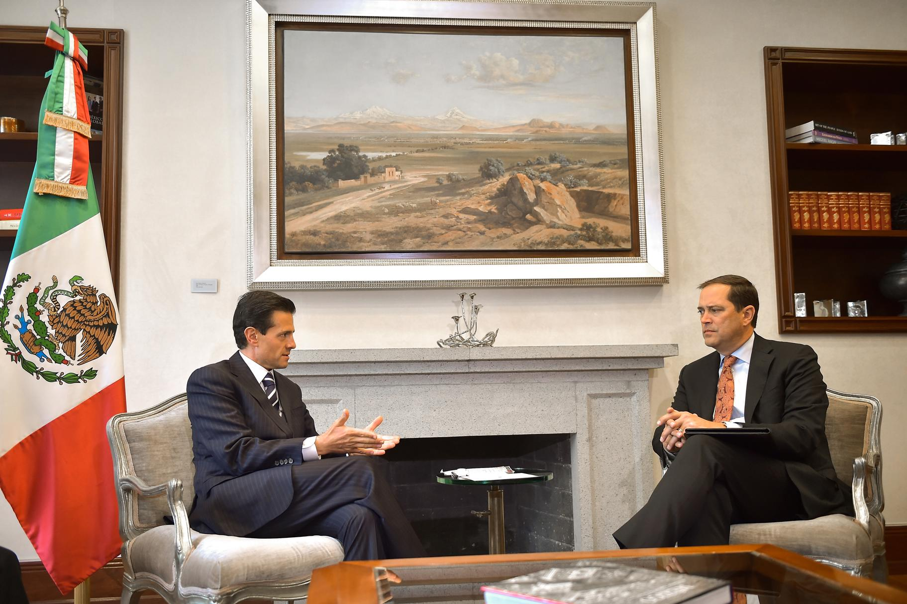 El Primer Mandatario recibió aChuck Robbins, CEO mundial de Cisco Systems, en la Residencia Oficial de Los Pinos.