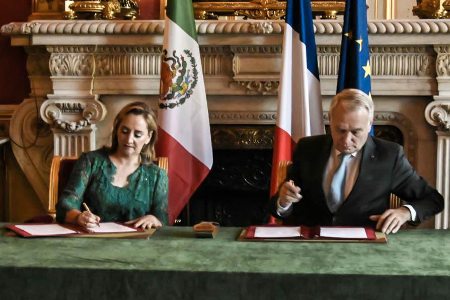 La Canciller Ruiz Massieu en su visita oficial a Francia.
