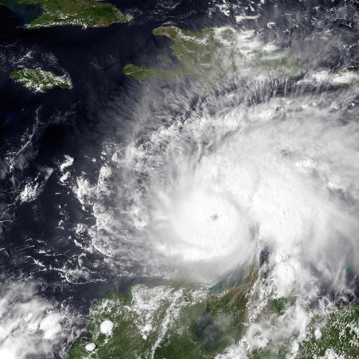 Llegada del huracán Matthew a costas de Florida.