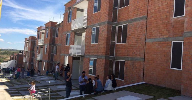 En Aguascalientes se entregó vivienda popular en modalidad vertical a familias de la entidad.