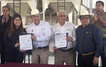 La Lic. Patricia Ornelas Ruiz de gira por campos experimentales del Estado de México