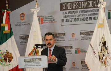 Javier Vargas Zempoaltecatl en el Congreso Nacional de la Asociación de Magistrados de los Tribunales de lo Contencioso Administrativo de los Estados Unidos Mexicanos.