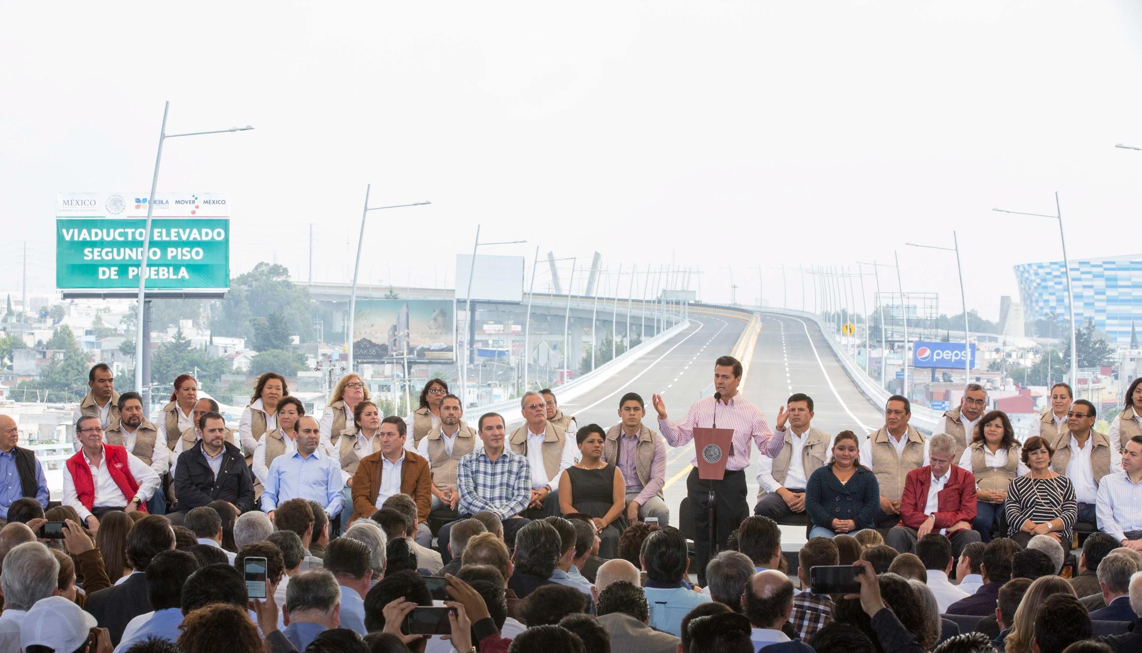 """""""Hemos hecho de la modernización de la red carretera nacional, una de las prioridades del Programa Nacional de Infraestructura"""": EPN"""