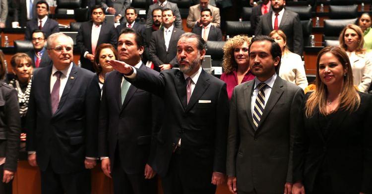 El Dr. Raúl Cervantes Andrade toma protesta como Procurador General de la República