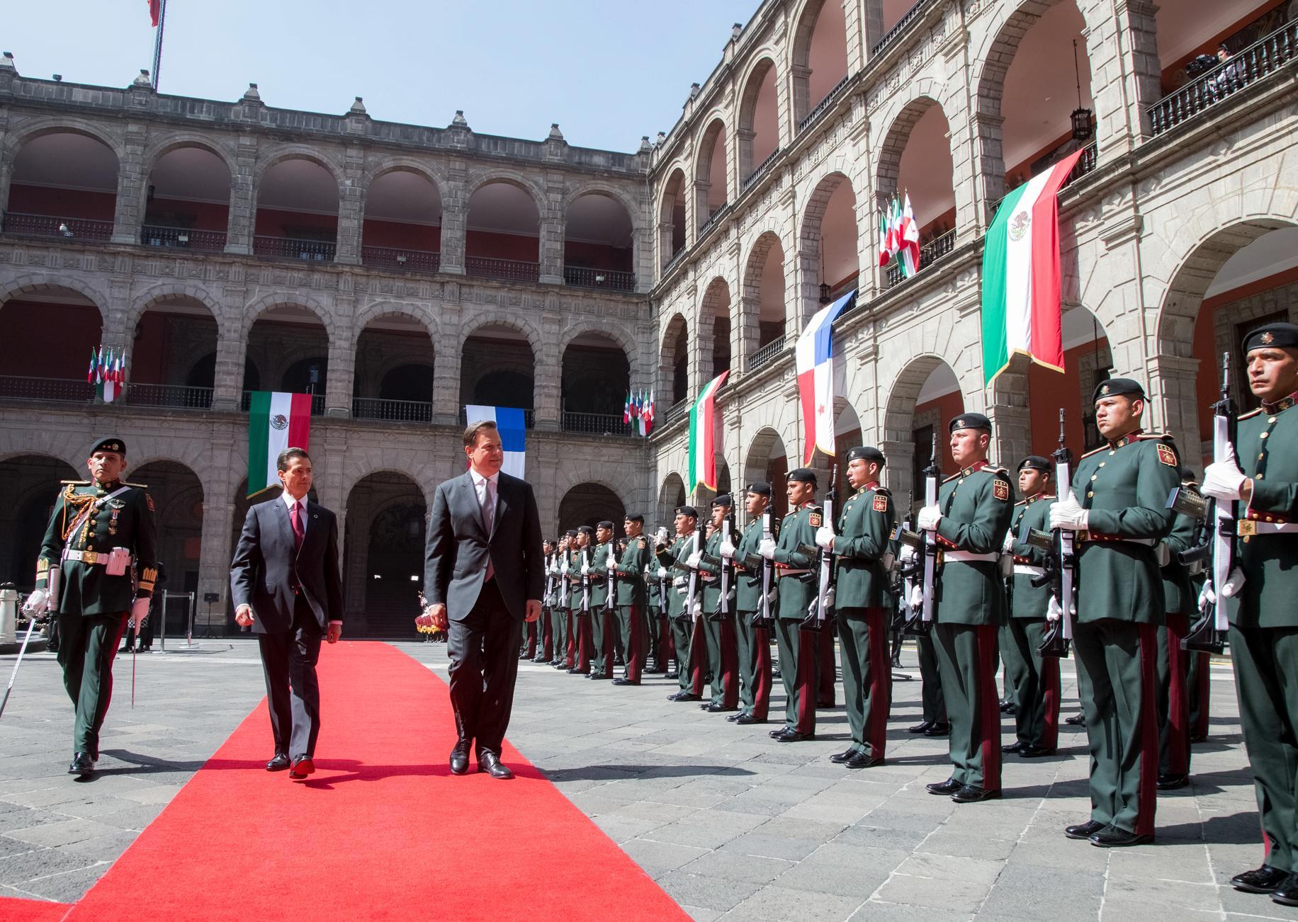 El mandatario panameño sostuvo un encuentro privado con el Presidente Enrique Peña Nieto así como otro con las respectivas comitivas para revisar la amplia agenda bilateral.