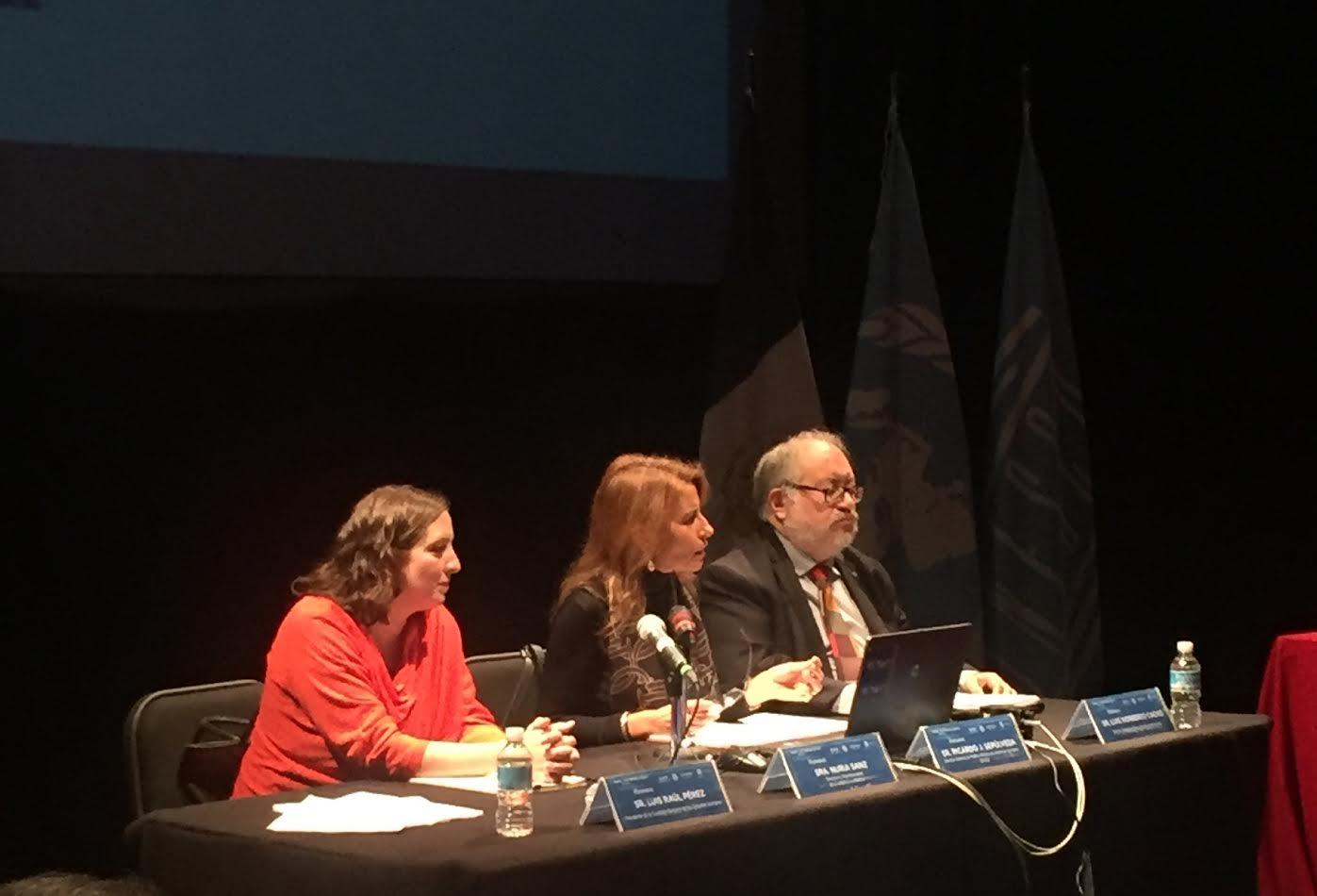 """Mesa """"Derechos culturales y marco normativo"""", con la participación de representantes de la Secretaría de Gobernación, la Oficina de la UNESCO en México y la Secretaría de Cultura."""