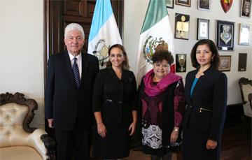 Canciller Claudia Ruiz Massieu con Viceministra de Guatemala y Embajadores de Guatemala en México y de México en Guatemala.