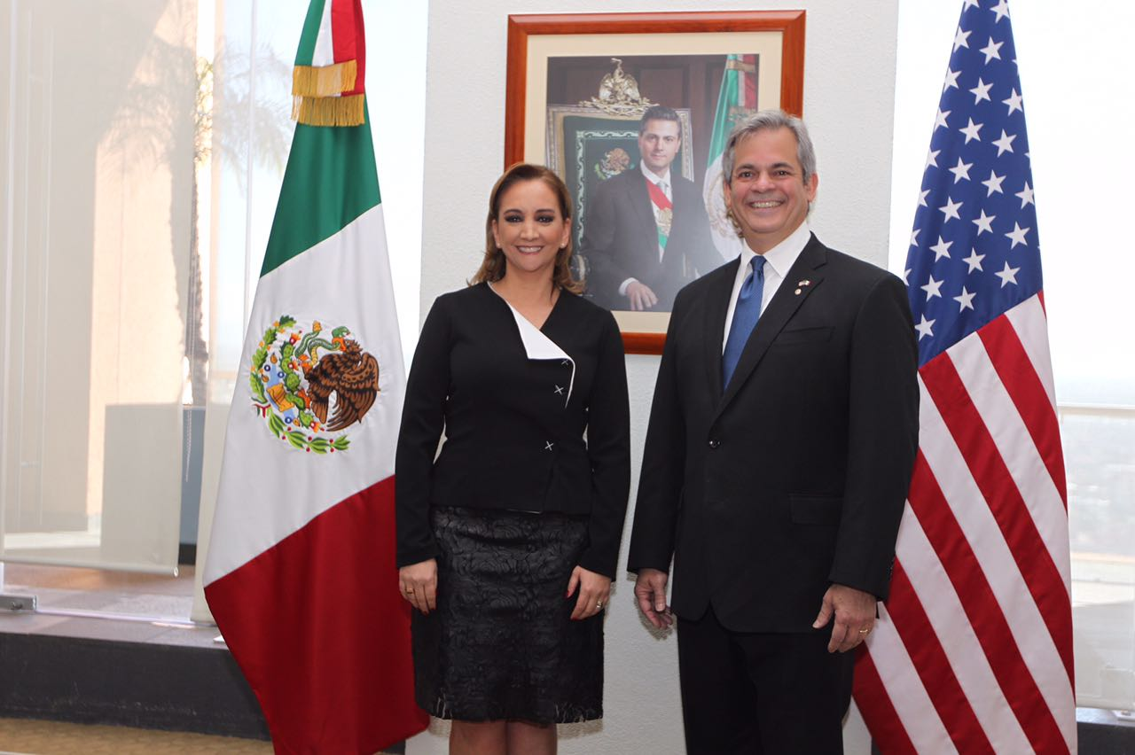 La Canciller Ruiz Massieu se reúne con el Alcalde de Austin, Steve Adler.