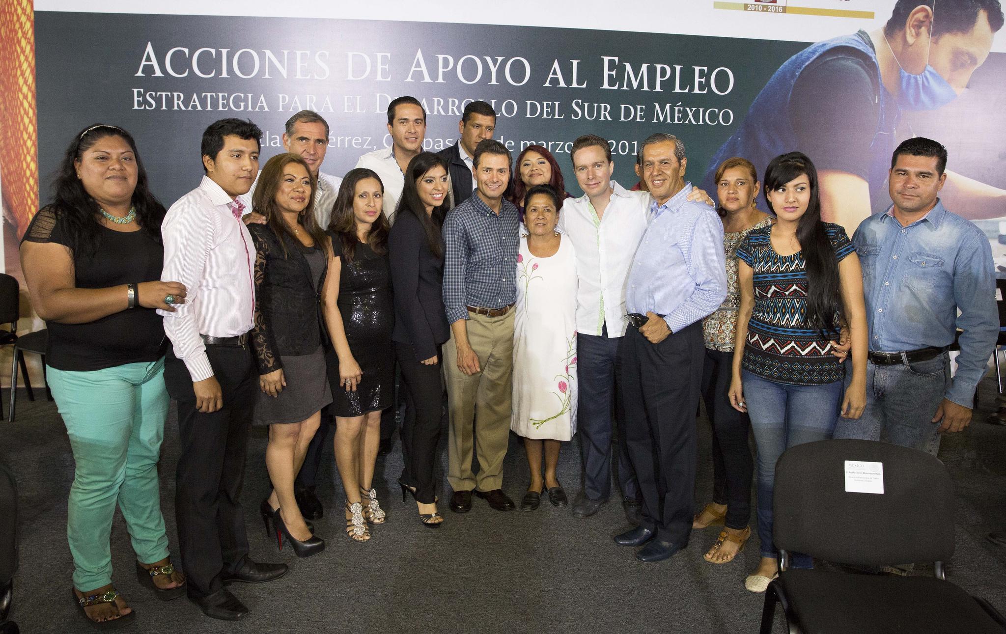 """""""Los jóvenes de México son la mayor fortaleza que tiene nuestro país para competir, crecer y triunfar en el siglo XXI"""": EPN"""