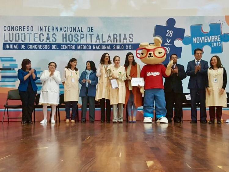 1er Congreso Internacional de Ludotecas Hospitalarias se llevó a cabo los días 28 y 29 de noviembre de 2016, en la Unidad de Congresos del Centro Médico Nacional Siglo XXI.