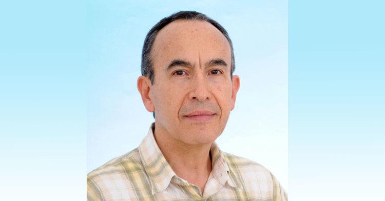 El doctor Javier Avilés López es galardonado con el Premio SMIE a la Investigación