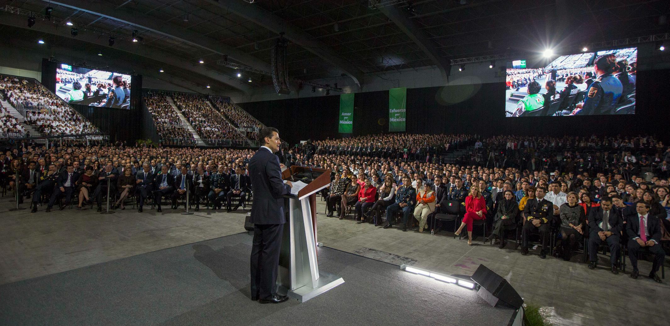 """""""Ustedes son los actores protagónicos del cambio que estamos llevando a cabo en México"""": EPN"""