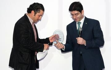 Entrega reconocimiento la Asociación de Internet.mx al Servicio Postal Mexicano