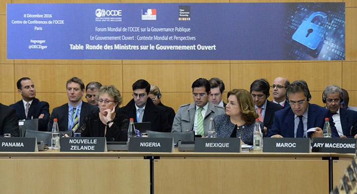 Secretaria Arely Gómez representando a México en la Reunión Alianza Gobierno Abierto, realizada en Francia