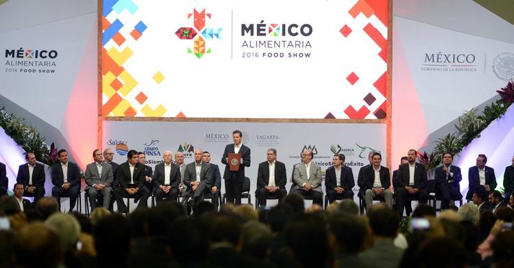 En México la entidad responsable de mantener el estatus sanitario de la Nación, fortalecer la inocuidad y calidad en productos para proteger tanto la salud de la población como del campo, es el SENASICA