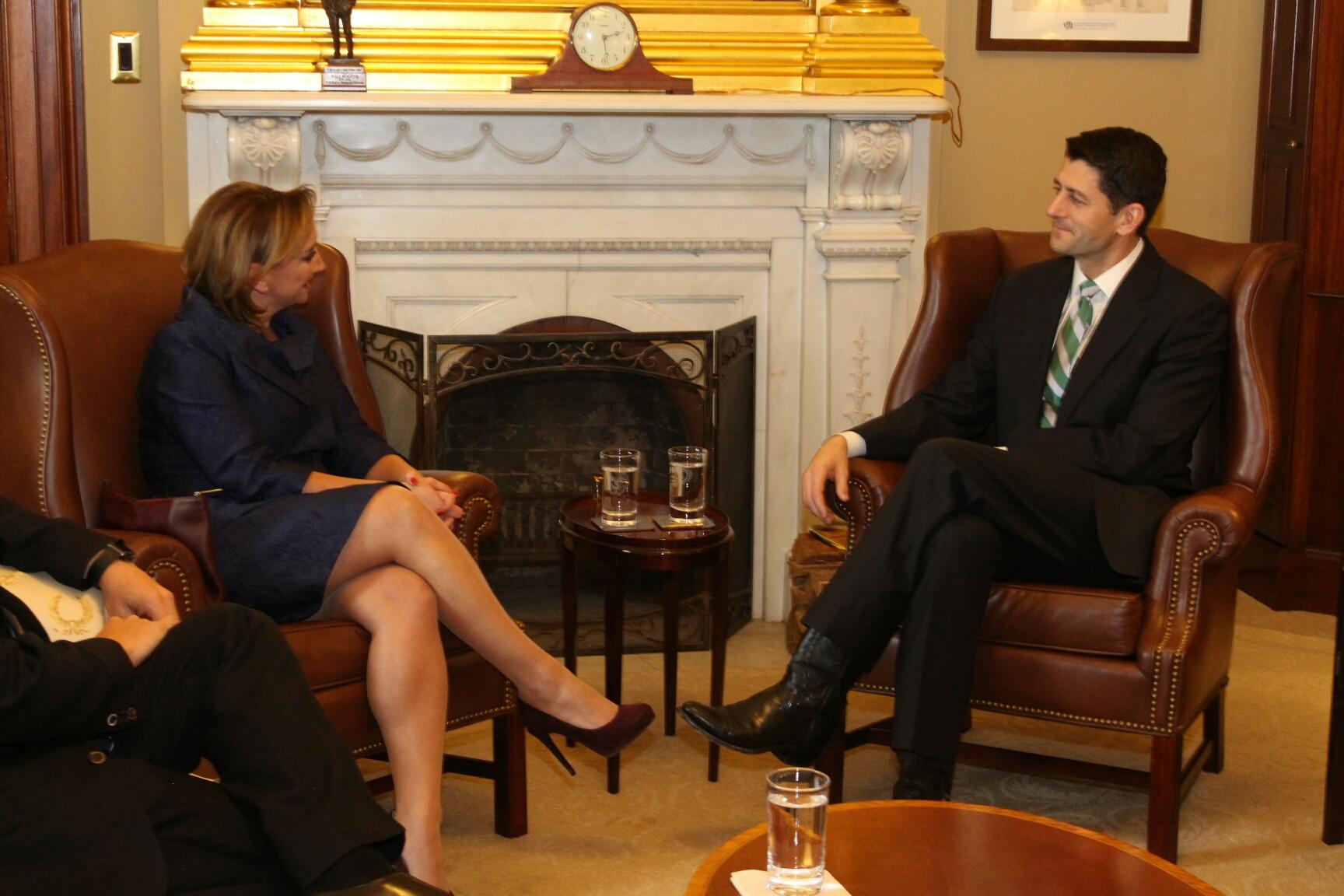 La Canciller y el Presidente de la Cámara de Representantes de EUA, Paul Ryan.