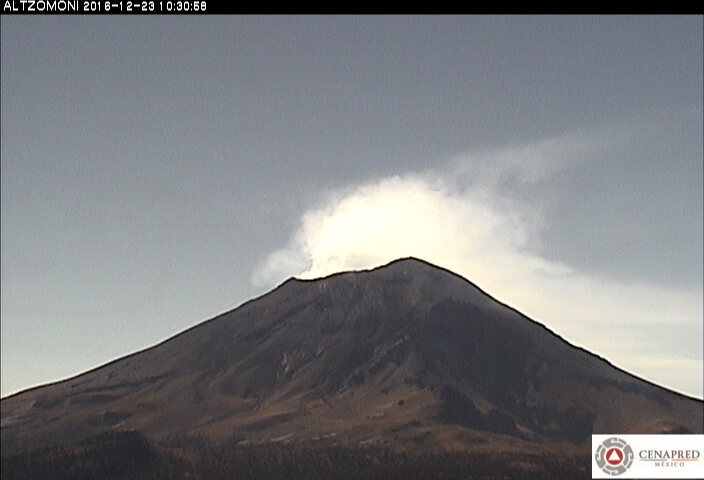 n las últimas 24 horas, por medio de los registros sísmicos del sistema de monitoreo del volcán Popocatépetl, se identificaron 60 exhalaciones de baja intensidad acompañadas de vapor de agua y gas.