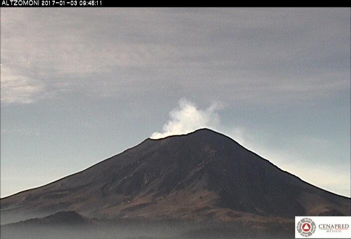En las últimas 24 horas, por medio de los registros sísmicos del sistema de monitoreo del volcán Popocatépetl, se identificaron 36 exhalaciones de baja intensidad acompañadas de vapor de agua y gas.
