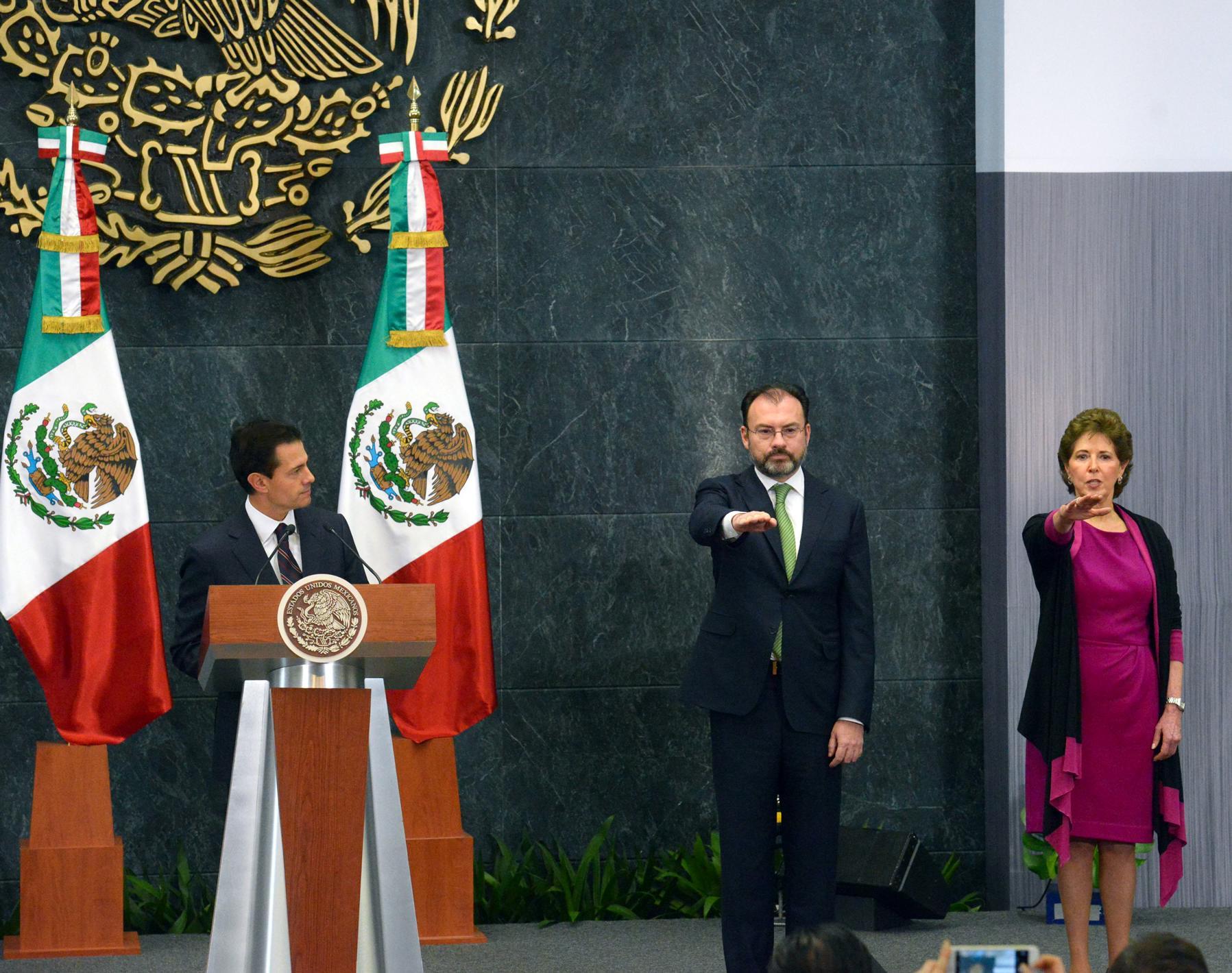 El Presidente de la República, Enrique Peña Nieto,tomó la Protesta de Ley a los nuevos titulares de ambas Secretarías.